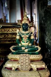 LC_0603: Laos - Small statue in Luang Prabang