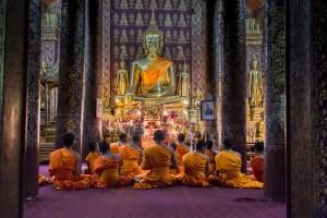 LC_622: Laos - Monks praying in Luang Prabang