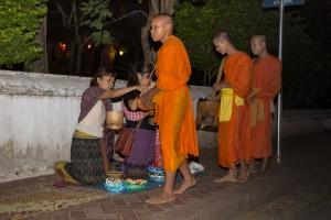 LC_0396: Laos - Monks' begging