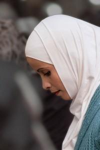 SI_0601: Syrian woman at market