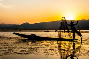 DB_2474: Myanmar - Fisherman in inland waters