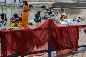 DE_0280: Southern India - Life in a Ghat on sea