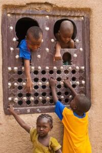 DO_2411: Mali - Children playing in Timbuctu
