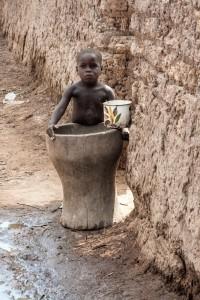 DO_2465: Mali - Child in a village