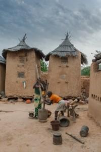 DO_2871: Mali - Crashin grain in a Dogon village