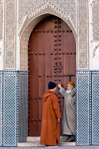 KA_1539: Morocco - Chatting elderlies