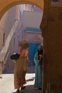 KA_1612: Morocco - Women at Marrakesh souk
