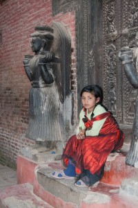 KD_0172: Northern India. Young girl in the street