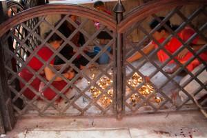 NE_0025: Nepal - Praying women
