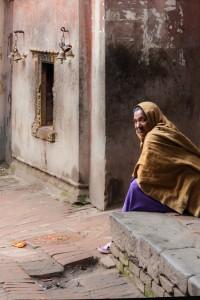 NE_0881: Neoal - Woman on the street
