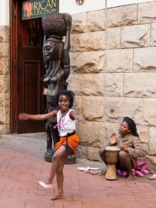 SU_0528: Southafrica - Dancing in Capetown streets