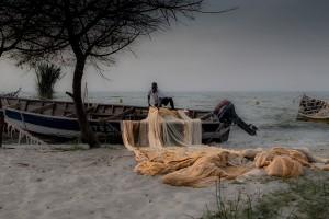 TA 0384: Tanzania - Fisherman at Victoria Lake