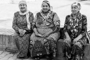 TAM_0420: Uzbekistan - Uzbek women