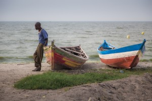 TA_0330: Tanzania - Fisherman at Victoria Lake